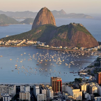 le Pain de sucre au coucher du soleil_Rio de Janeiro