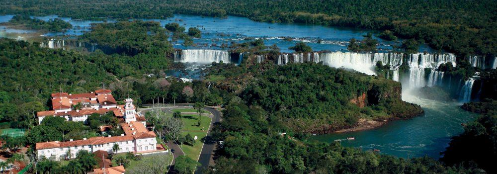 View of Belmond das Cataratas in close proximity to Iguassu falls, from above.