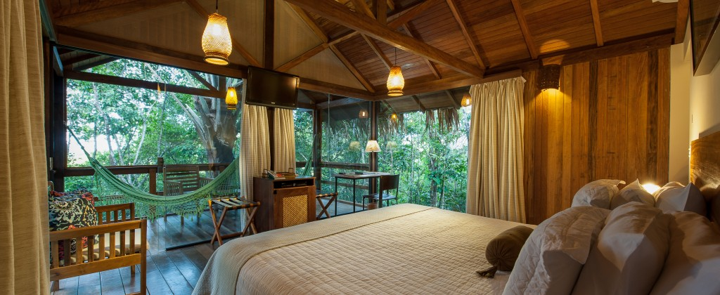 A beautifully decorated room in the Anavilhanas jungle lodge.