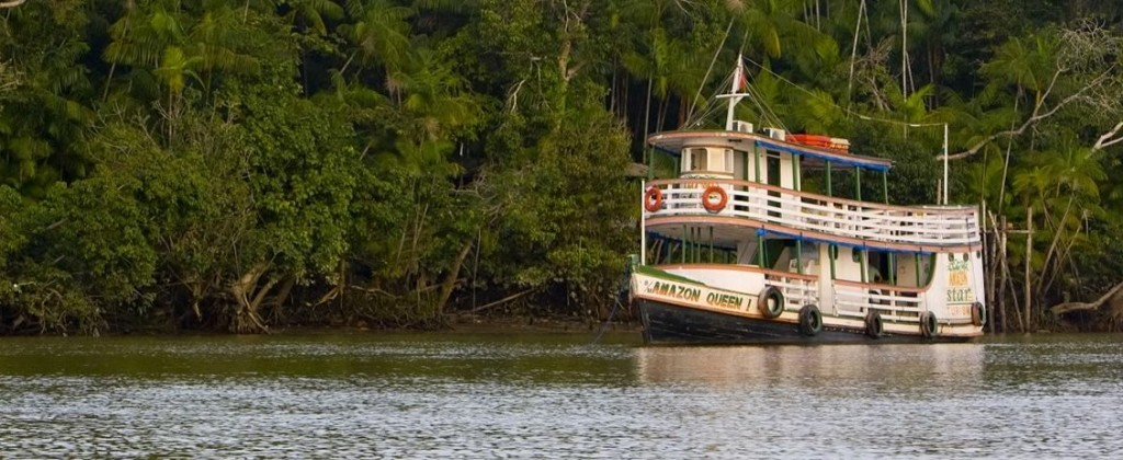 The amazon queen vessel, sailing up the Amazon river.