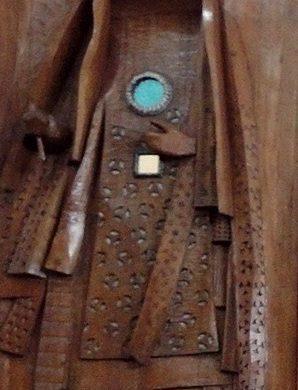 sculpture Carybe oeil sur porte
