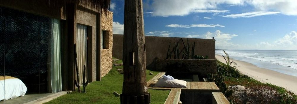 Kenoa resort from the outside.