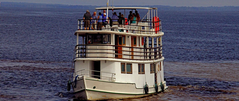 cruise ship amazon rio negro