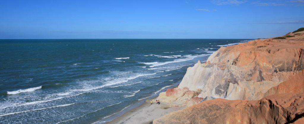 The waves breaking on the beach at Canoa Quebrada.