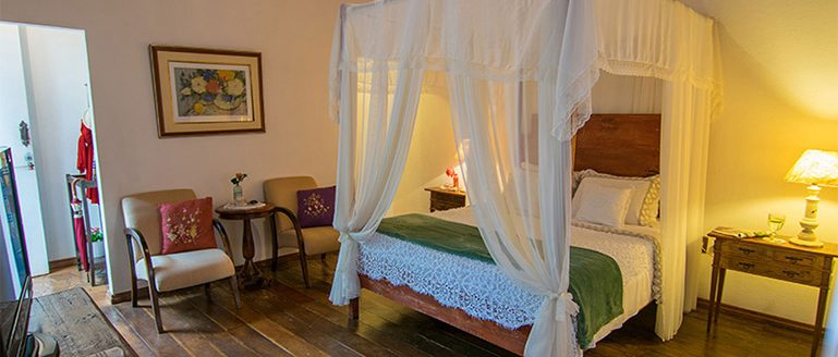 A beautifully decorated room in the pousada Brisa da Sera.