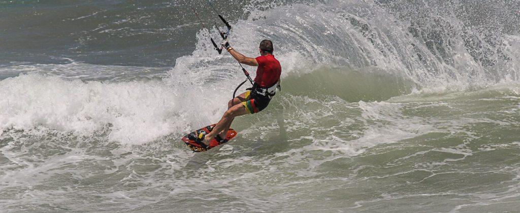 Kitesurfing at Préa beach.